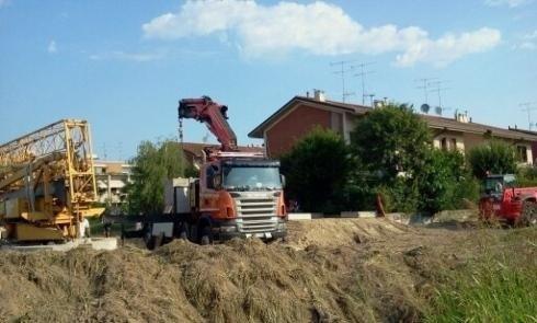 automezzo per scavi edili
