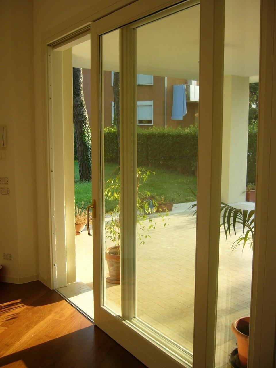 Manutenzione infissi legno scorz ve falegnameria - Manutenzione finestre in legno ...