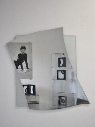 specchi con rappresentazione di Audrey Hepburn