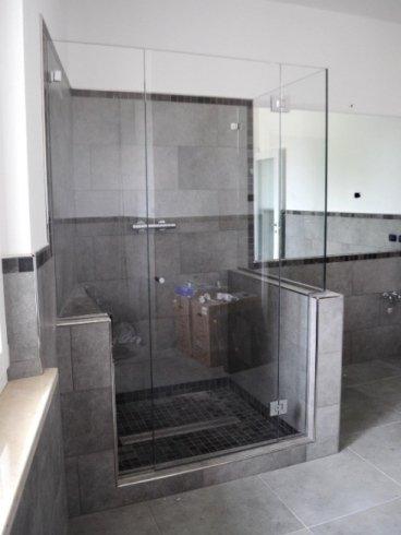 porte box doccia con maniglia