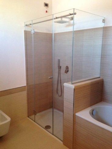 box doccia arredo in legno e vetro