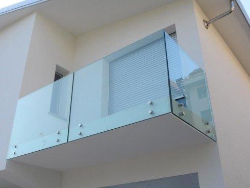 balcone parapetto in vetro