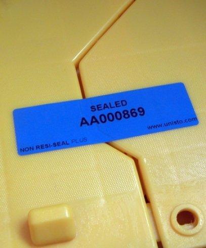 etichette aziendali, etichette plastica, etichette resinate aziendali