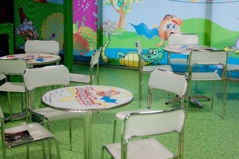 decorazioni tavoli, adesivi tavoli, tavoli personalizzati