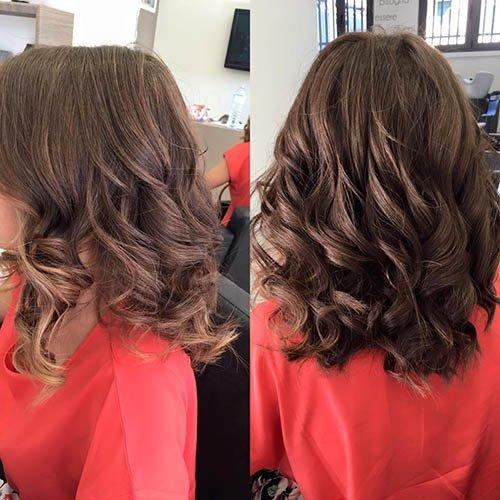 capelli mossi fatti con la piastra