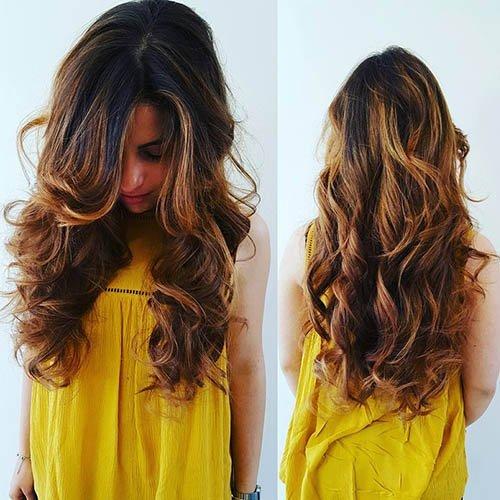 capelli con riflessi biondi
