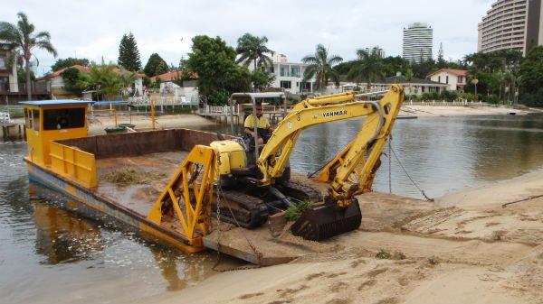 wingbrook-marine-beach-cleaning-barge-excavator