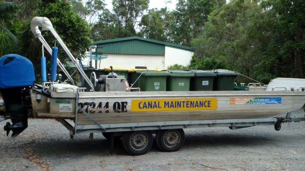 wingbrook-marine-canal-maintenance-2