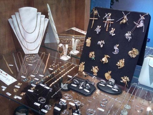 assortimeto gioiello argento e oro