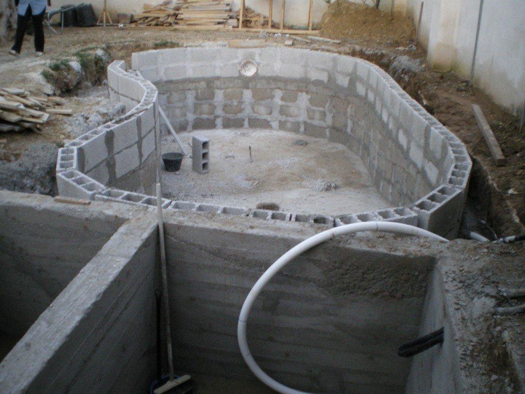 Cemento e skimmer san cesario di lecce le piscine relax - Piscina a fagiolo ...
