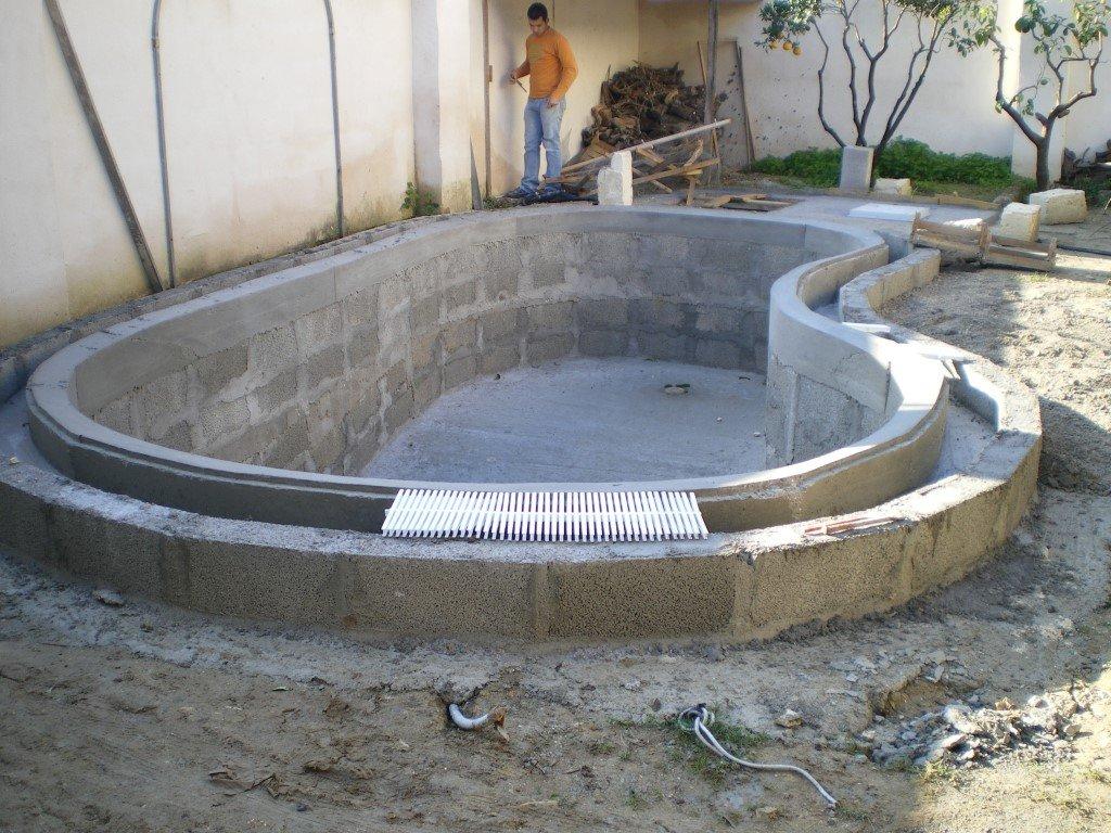 Cemento e skimmer san cesario di lecce le piscine relax - Piscine a lecce ...