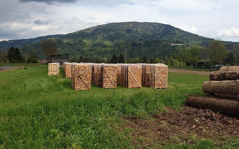 Bancali di legna coperti