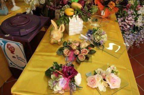mazzi di fiori sul tavolo