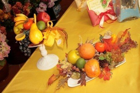 composizioni con frutta e fiori