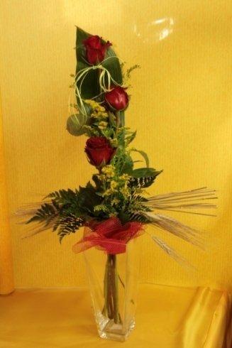composizione con rose rosse