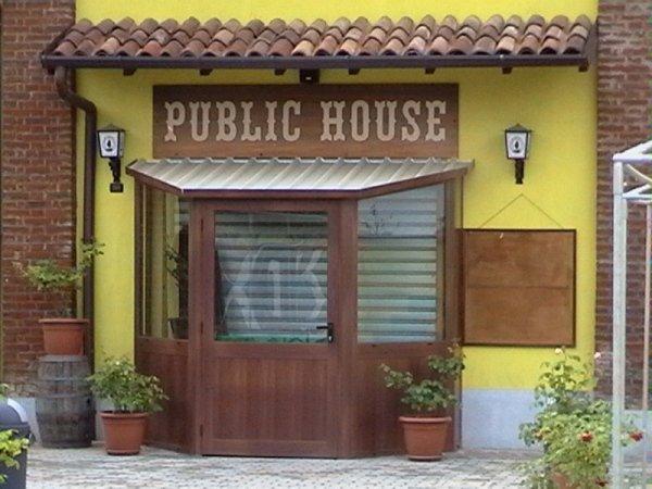 ingresso public house