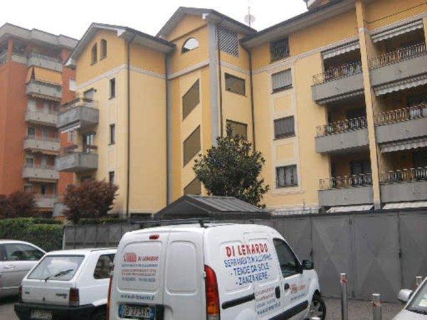 vetrate condominio corsico