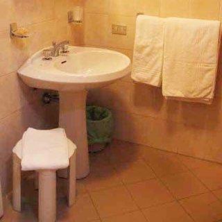 albergo mantova bagno nella stanza