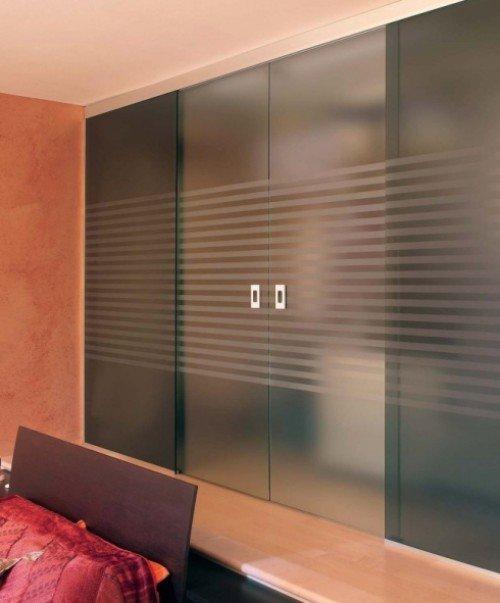 porte in vetro di un ufficio