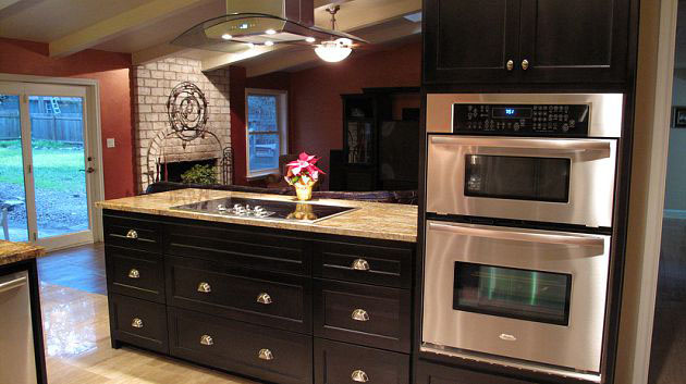 Side view of a newly renovated kitchen design by JB Murphy Co.