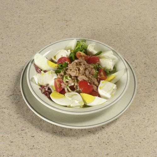 piatto di insalata mista -  menù a prezzo fisso a mezzogiorno