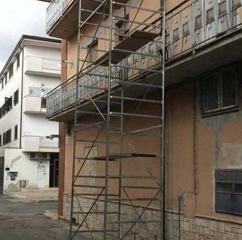 Ristrutturazione esterna di un'edificio EDIL GIEMME Impresa Edile Caserta