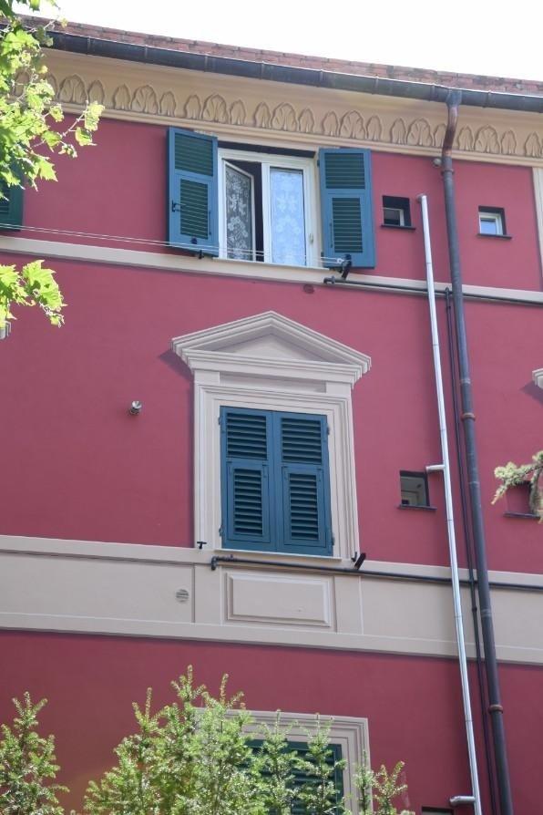 Tinteggiatura facciata Genova Giupponi