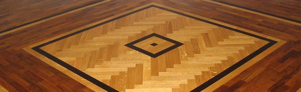 pavimento in legno con motivo