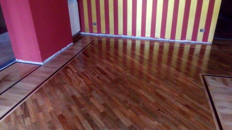 pavimento in legno con il modello 2