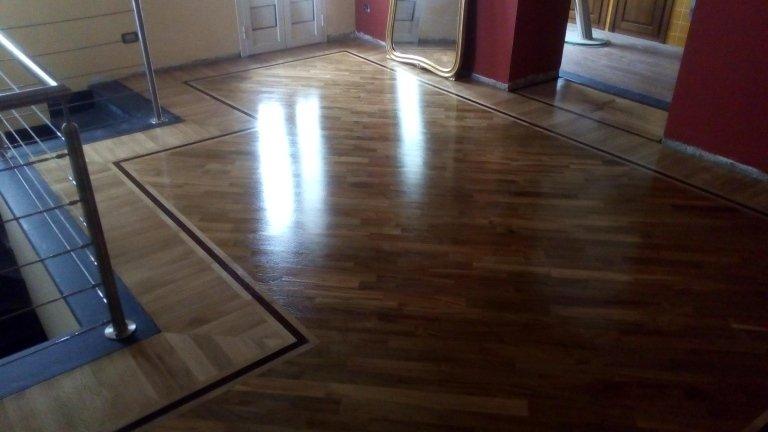 pavimento in legno con il modello 3