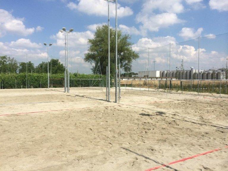 Campo da beach tennis