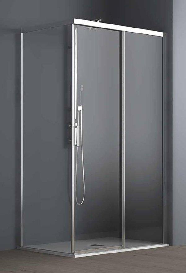 box doccia in vetro con pavimento in legno