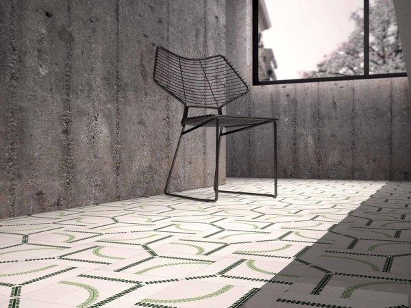 rivestimenti sulla pavimento con parete in cemento