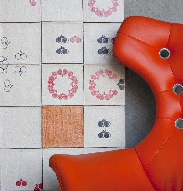 rivestimenti colorati su parete