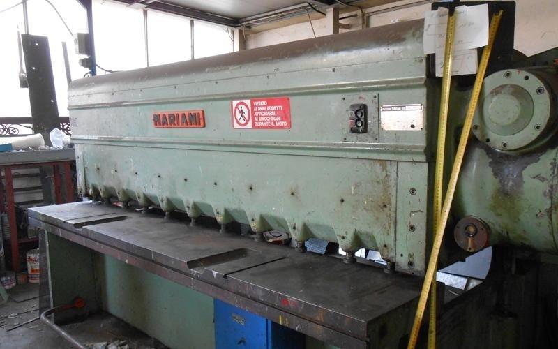 macchinario per lavorazione di metallo