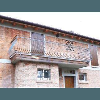 Ringhiera balcone in ferro battuto