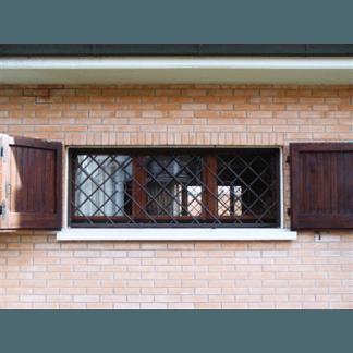Inferiate di sicurezza per finestre in ferro battuto