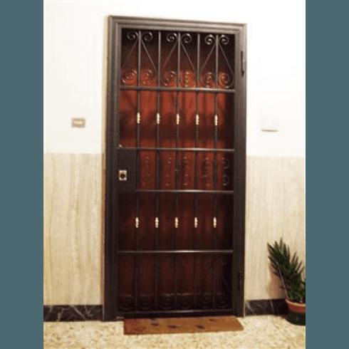 cancelli-davanti-porta