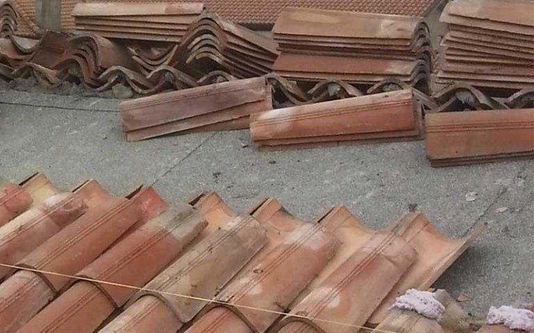 delle piastrelle di un tetto