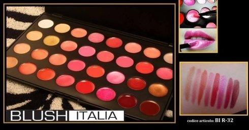 Palette composta da 32 magnifici colori di rossetti e lipgloss. Se utilizzati con un velo di cipria durano fino a 12 ore
