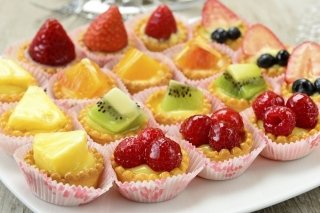 Petits fours with fruit toppings