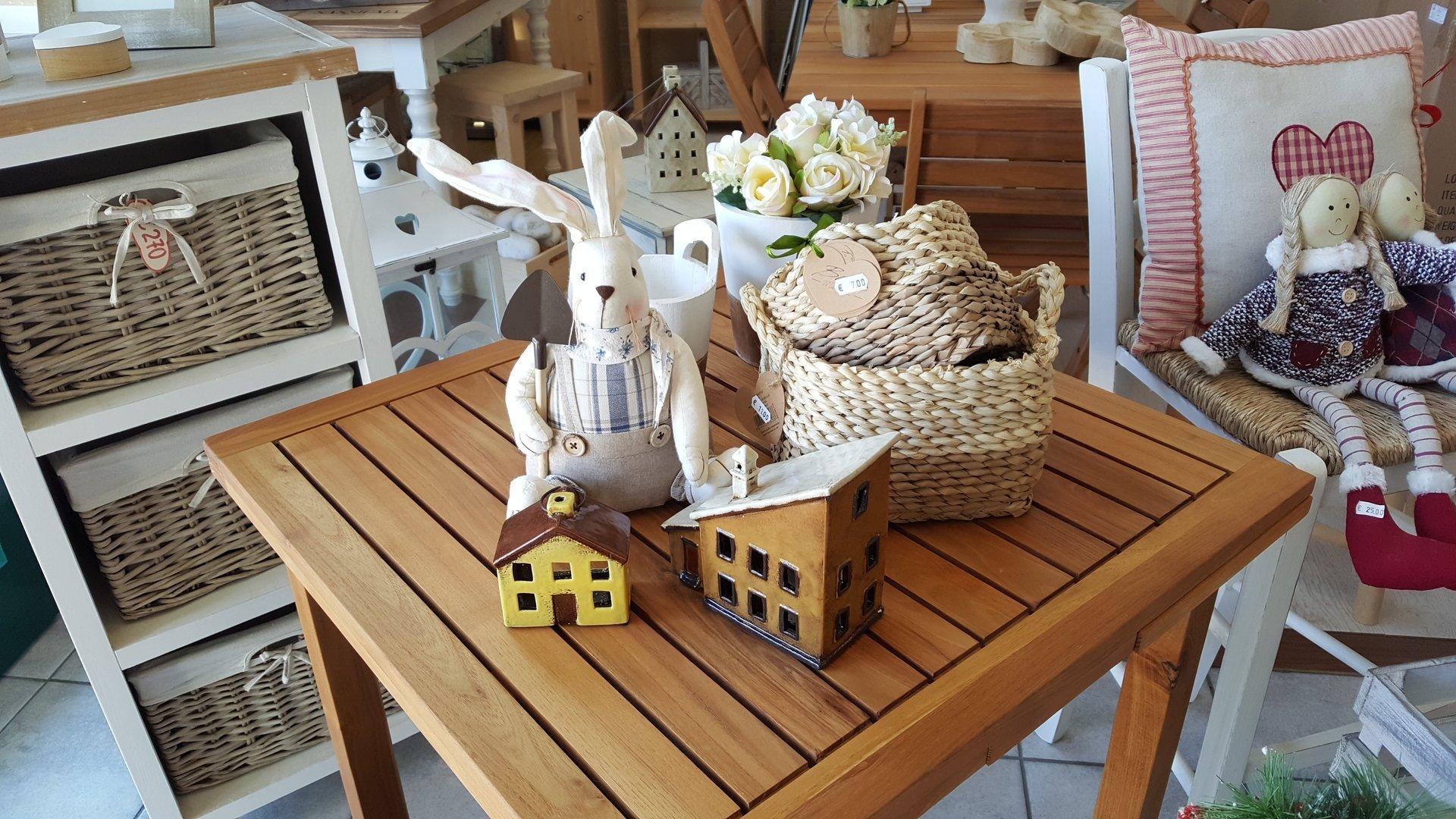 Complementi d 39 arredo cecina li linea hobby legno for Oggettistica casa