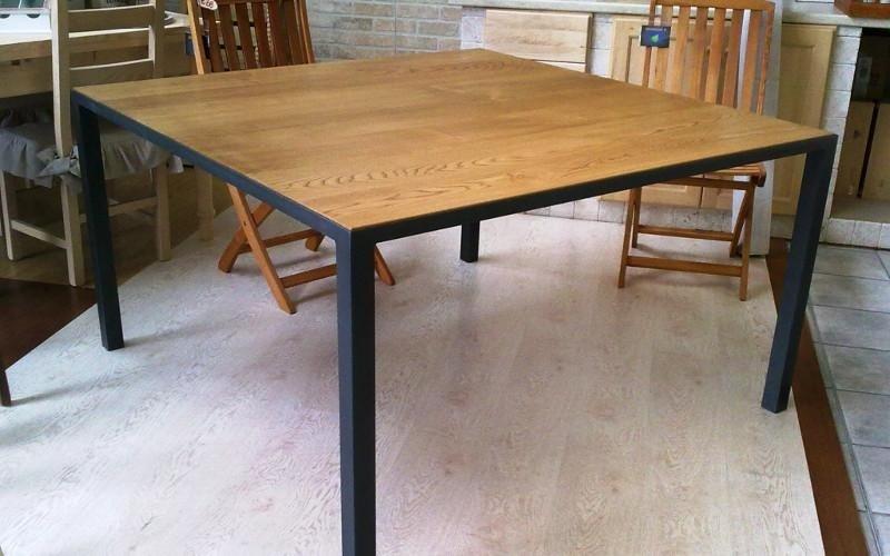 Vendita tavoli in legno