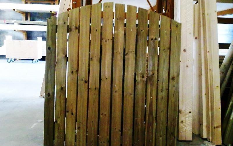 Cancelletto in legno su misura