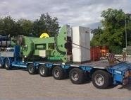 camion verde per trasporti eccezionali