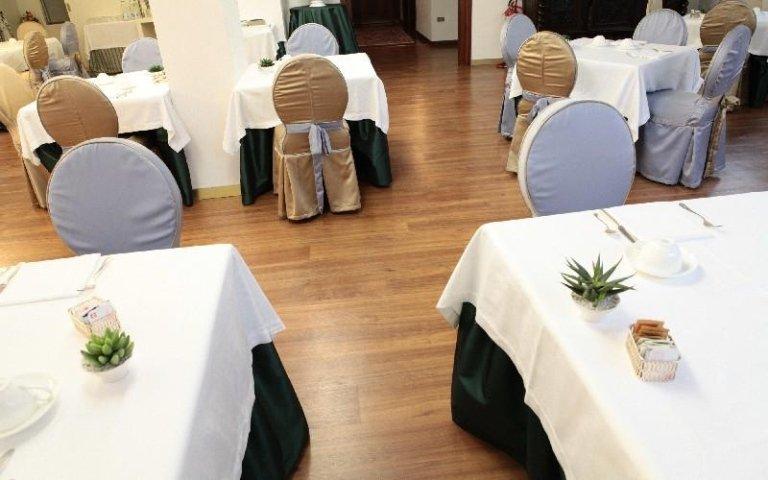 Sala colazioni Lusa Renzo Pavimenti
