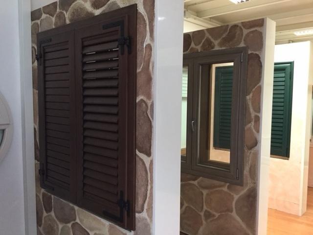 Infissi in alluminio sassari sorso porto torres for Infissi in pvc sassari
