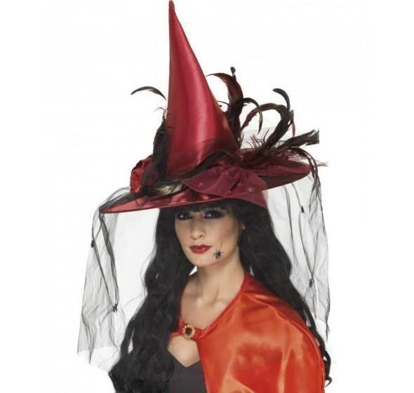 cappello nero e rosso