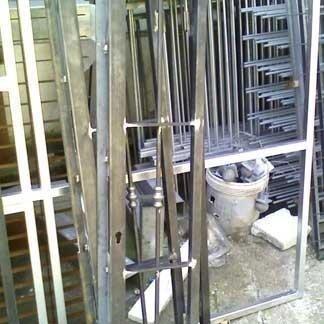 Parti metalliche per serramenti