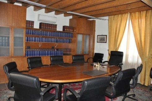 diritto commerciale, diritto delle successioni, diritto immobiliare
